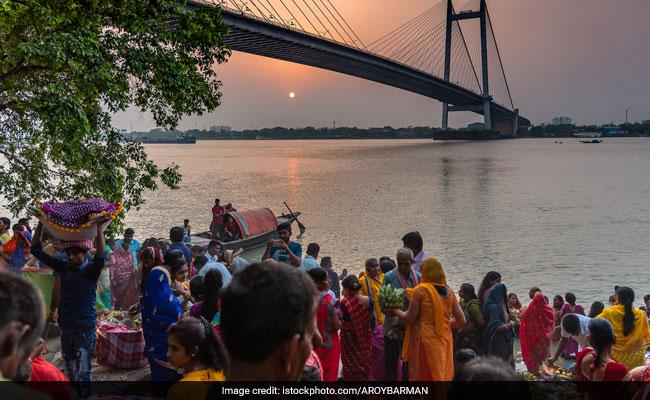 Chhath 2019: इस समय दें सूर्य भगवान को अर्घ्य, जानिए अपने शहर के सूर्य उगने और ढलने का टाइम