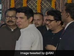 In Big Thaw, Raj Thackeray On Stage At Cousin Uddhav Thackeray's Oath