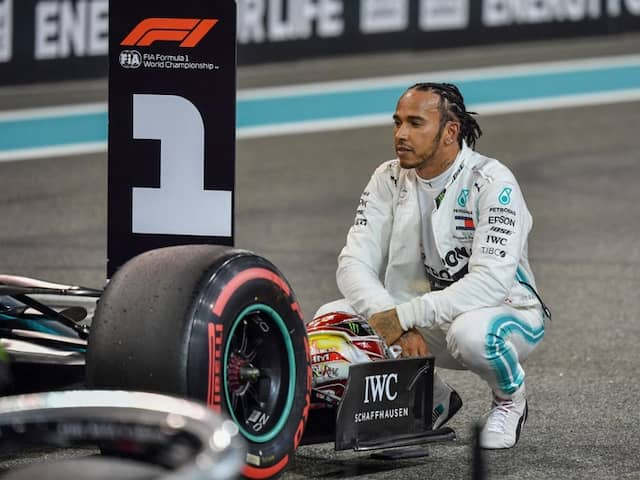 FORMULA-1: lewis Hamilton gets the pole position in Abu Dhabi Grand prix