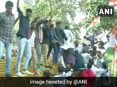 Youth Congress Protests Withdrawal Of SPG Cover Of Gandhis Near Parliament