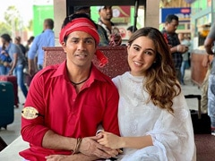 <I>Coolie No 1</i>: Sara Ali Khan Trolls Varun Dhawan For 'Trying To Steal' Her Caption