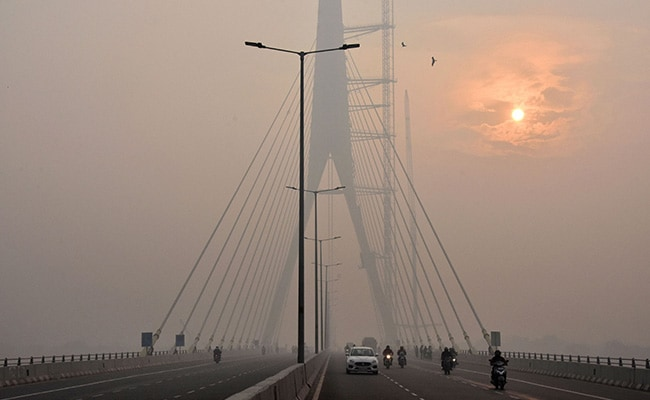 तेज हवाओं के कारण Delhi-NCR की वायु गुणवत्ता में महत्वपूर्ण सुधार, लेकिन...