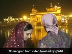 दीपिका पादुकोण और रणवीर सिंह पहुंचे अमृतसर, Golden Temple में टेका मत्था- देखें Video