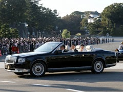 "Japan Cheers New Emperor Naruhito In ""Once In A Lifetime"" Open-Top Car Parade"