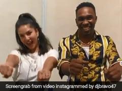 सनी लियोन ने ड्वेन ब्रावो के साथ 'चैंपियन सॉन्ग' पर मचाया धमाल, देखें धमाकेदार Video
