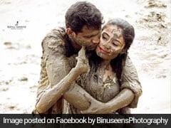 शादी के बाद कीचड़ में लेटकर पति-पत्नी ने कराया फोटोशूट, वायरल हुईं खूबसूरत Photos