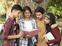UGC Academic Calendar: यूजीसी ने विश्वविद्यालयों के लिए जाारी की संशोधित गाइडलाइन्स, इस दिन से शुरू होगा नया सत्र