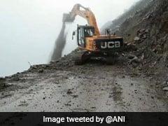 Man Dies After Landslide Hits Car On Jammu-Srinagar Highway