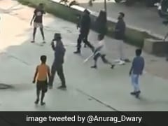 India vs Bangladesh: इंदौर में विराट कोहली ने बच्चों के साथ खेला क्रिकेट, देखें VIDEO