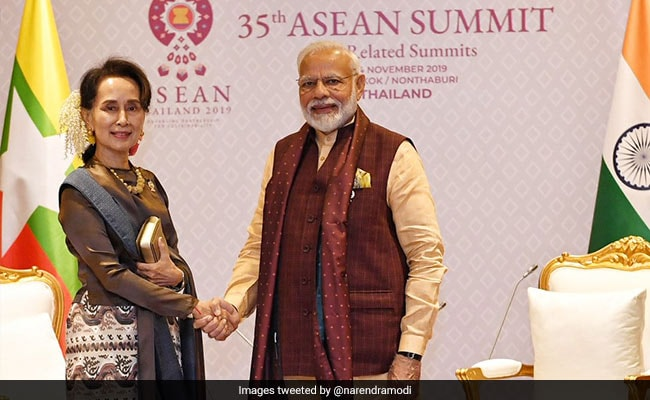 PM Modi Discusses Cross Border Terror With Myanmar's Aung San Suu Kyi