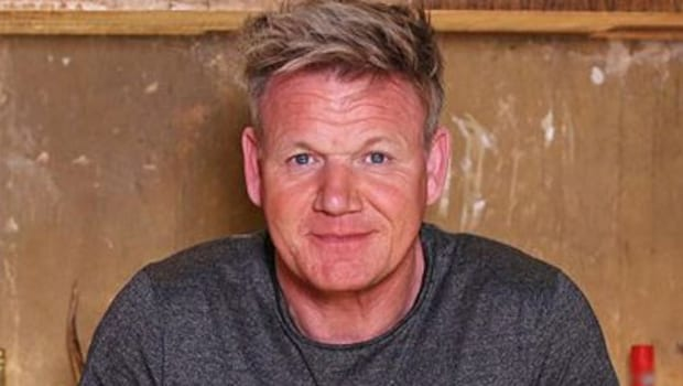Chef Gordon Ramsay Pudding: Celebrity Chef Gordon Ramsay Prepares Microwave Toffee Pudding In Just 10 Minutes