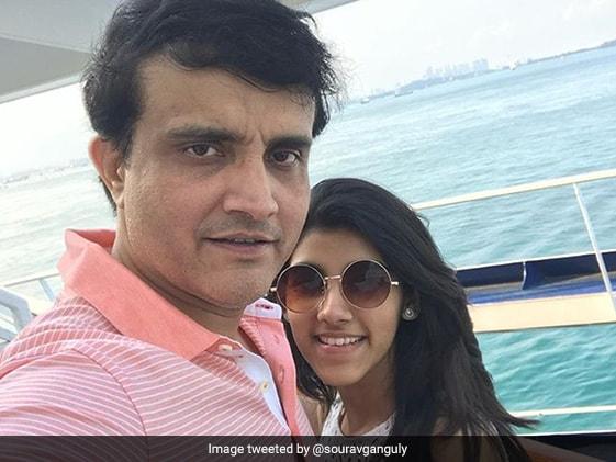 BCCI अध्यक्ष Sourav Ganguly ने इंस्टाग्राम पर फोटो शेयर किया तो बेटी सना ने यूं ली चुटकी...