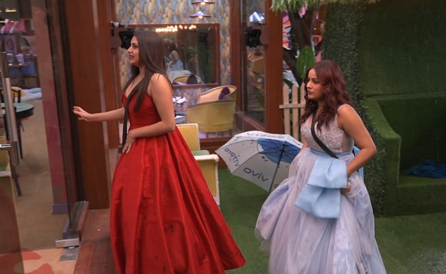 Bigg Boss 13: All You Need To Know About Shehnaaz Gill And Himanshi Khurana's Controversial Meeting