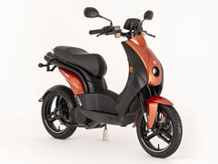 Made In India Peugeot Electric Scooter Joins French Presidential Fleet