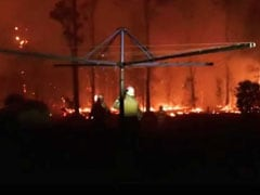 """""""Leave now"""": Australians Urged To Evacuate As """"Catastrophic"""" Fires Loom"""
