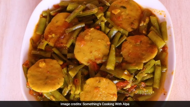 Indian Cooking Tips: How To Make Authentic Gujarati-Style Guvar Dhokli At Home (Video Inside)