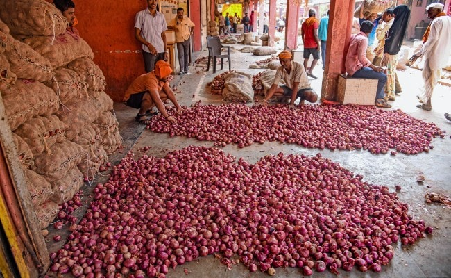 Onion Rate May Hit Rs 150 In Kolkata, Centre Cuts Stock Limit: 10 Points