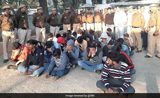 32 Allegedly Posed As Canadian Cops To Dupe Foreigners; Arrested In Delhi