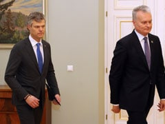 Lithuania, Norway Swap Spies With Russia At Border In Cold War-Style