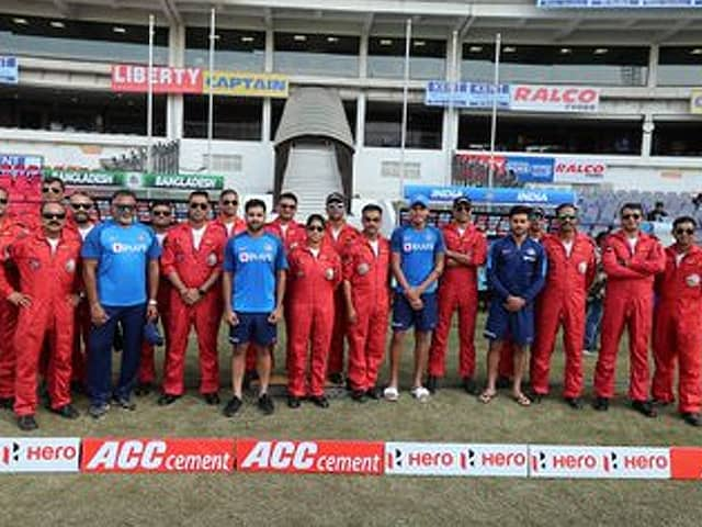 Team India meet with IAएF Airobatic Team