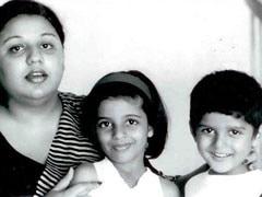 फरहान ने पोस्ट की मां हनी ईरानी और बहन जोया के साथ फोटो, आपने देखी क्या?