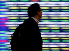 Asian Stocks Fall As COVID-19, US Election Concerns Dampen Investor Sentiment