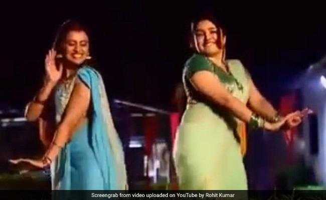 आम्रपाली दुबे और अक्षरा सिंह ने किया धमाकेदार डांस, Video ने मचाई धूम