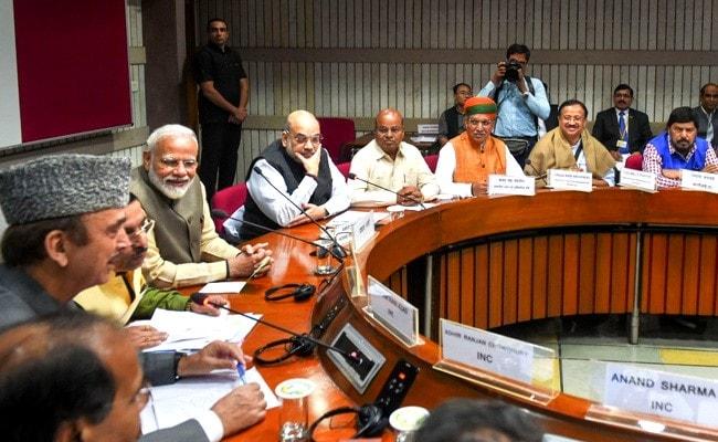 संसद के सत्र से पहले सर्वदलीय बैठक, पीएम मोदी ने कहा- सभी मुद्दों पर चर्चा को तैयार