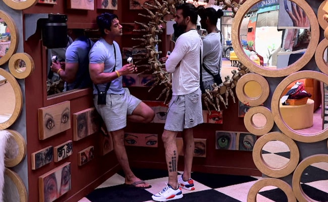 Bigg Boss 13 Written Update November 13, 2019: Sidharth Shukla Provokes Vishal Aditya Singh To Remove Rashami Desai From The Captaincy Task