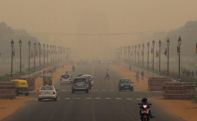 दिल्ली में प्रदूषण  'बेहद गंभीर' श्रेणी में, EPCA ने पब्लिक हेल्थ इमरजेंसी घोषित की
