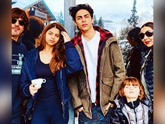 Shah Rukh Khan's Reaction To Gauri's Pic With Aryan, AbRam And Suhana Is A Winner