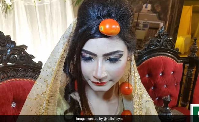 Why This Pakistani Bride Wore Tomato Jewellery On Her Wedding