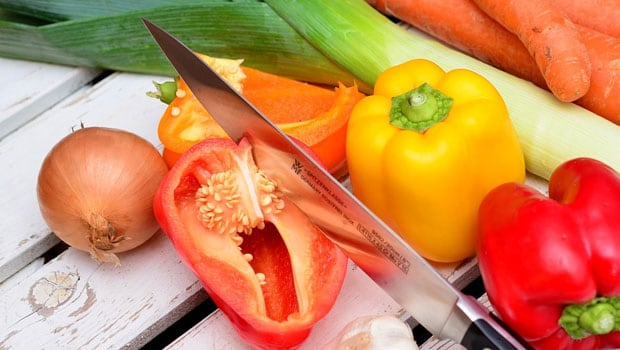 5 Kitchen Tips To Peel And Cut Your Veggies The Right Way For Maximum Nutrition
