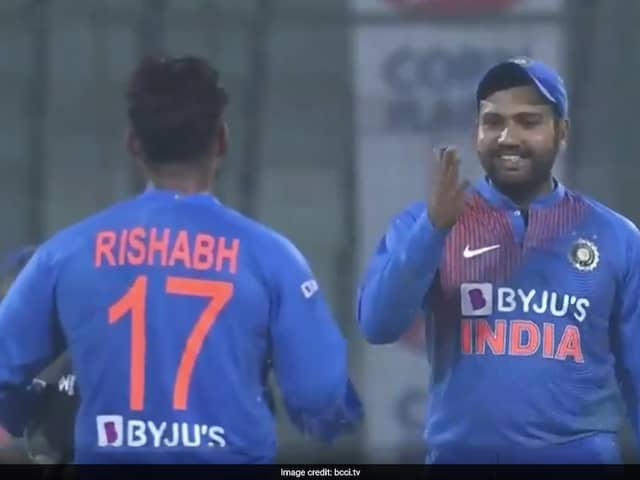 Rishabh Pants DRS Gaffe Gets Comical Reaction From Rohit Sharma. Watch Video