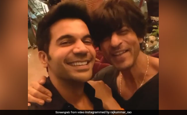 Shah Rukh Khan And His 'Biggest Fan' Rajkummar Rao Nailed This Stree Dialogue Together