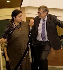 In Smriti Irani's Pic With Bill Gates, Caption Takes The Cake