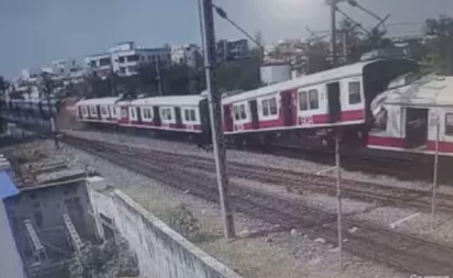 हैदराबाद में आपस में टकराईं दो ट्रेनें, सोशल मीडिया पर वायरल हुआ दिल दहला देने वाला VIDEO