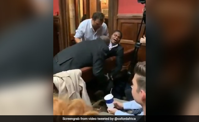 Oxford Union President Resigns After Blind Student Dragged From Debate
