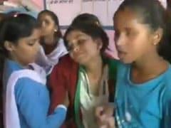 मध्य प्रदेश: गणित का सवालन हल करनेपर छात्राओं की बेरहमी से पिटाई, अस्पताल ले जाना पड़ा