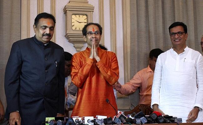 मुख्यमंत्री पद की शपथ लेने के तुरंत बाद उद्धव ठाकरे ने ली कैबिनेट बैठक, किया यह पहला बड़ा ऐलान
