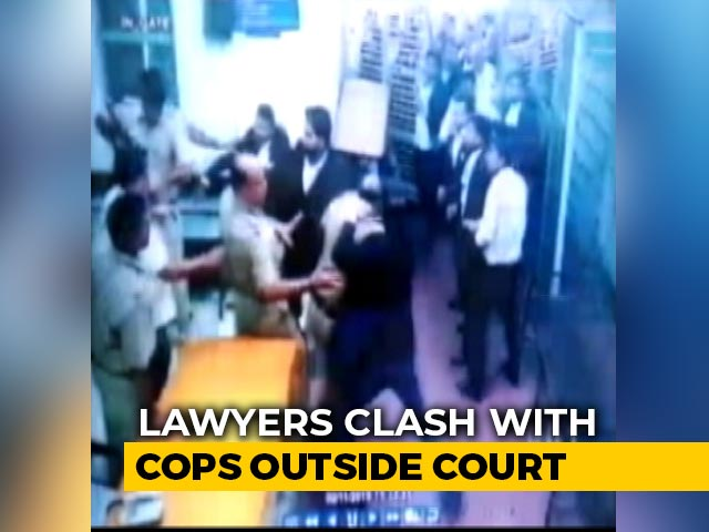 Video : Police File Cases Against Lawyers, Cops Who Clashed At Delhi Court