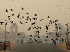 दिल्ली में प्रदूषण का कहर: बारिश से मिली मामूली राहत, पर अभी भी 'गंभीर' स्तर पर है हवा की गुणवत्ता