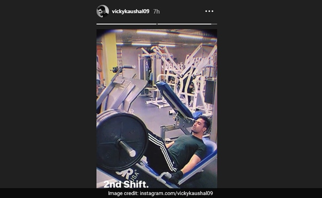Vicky Kaushal Performing Leg Press Will Make You Hit The Gym This Weekend; Know Benefits Of This Exercise