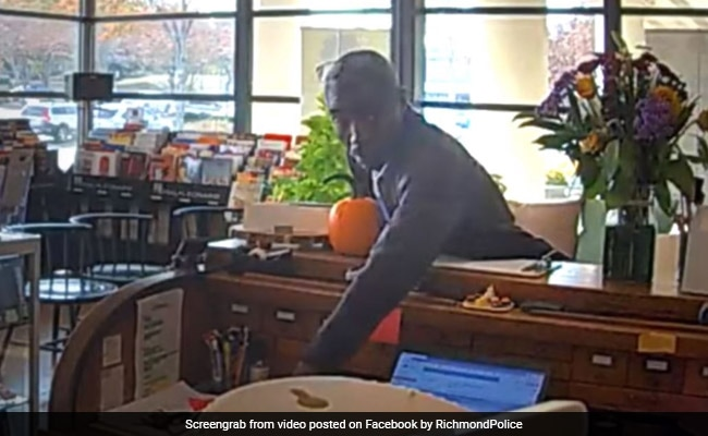 Music Store Thief Returns Stolen Items With A Note After Video Goes Online