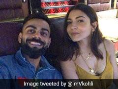 विराट कोहली ने पत्नी अनुष्का संग रात में देखी फिल्म, फोटो डालकर बोले- 'इस हॉटी के साथ...'