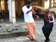 सबरीमाला मंदिर में घुसने की कोशिश कर रही महिला कार्यकर्ता पर पुलिस कमिश्नर के ऑफिस के सामने मिर्च स्प्रे से हमला