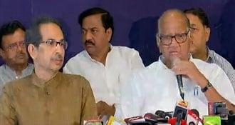 शरद पवार ने सिरे से खारिज की BJP-NCP गठबंधन की बात, देवेंद्र फडणवीस से मिले अजित पवार