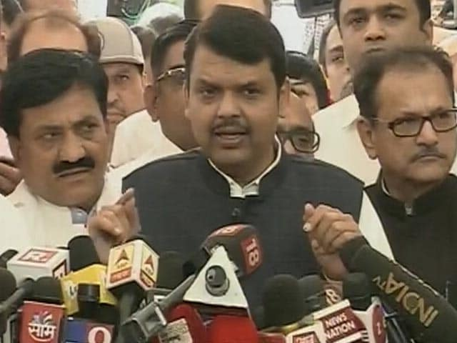 महाराष्ट्र में सदन की शुरुआत 'वंदे मातरम' से न होने पर BJP ने उठाए सवाल