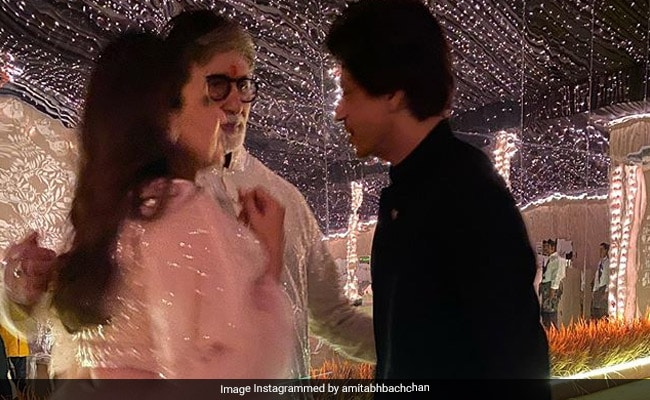 When Amitabh Bachchan, Shah Rukh Khan And Gauri Had 'Some Serious' Discussions During Diwali Party. See Pic