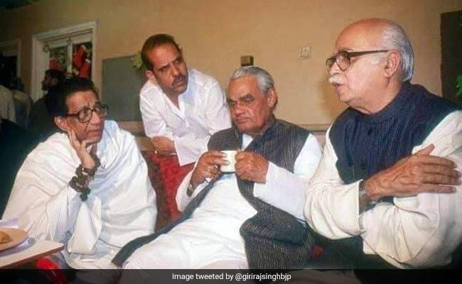 As Shiv Sena Splits From BJP Again, Giriraj Singh Tweets Throwback Photo